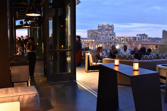 The Logan Hotel S New Rooftop Bar The Breathtaking